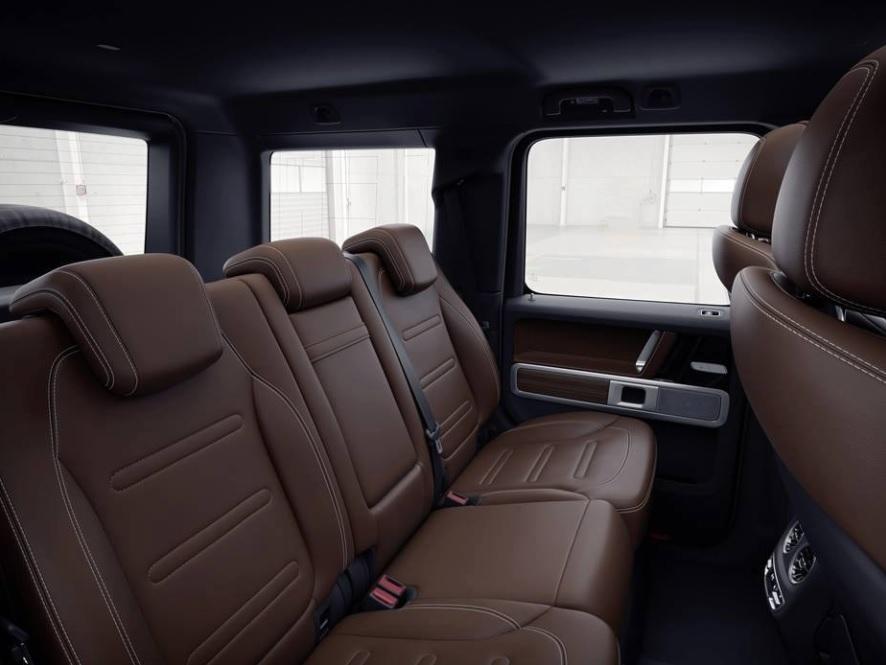 le nouveau mercedes classe g a fuit l 39 observateur automobiles. Black Bedroom Furniture Sets. Home Design Ideas