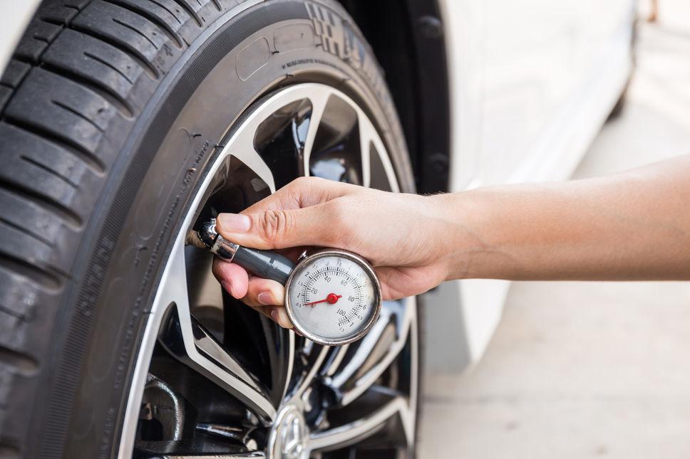 5 choses v rifier sur votre voiture avant les grosses chaleurs l 39 observateur automobiles. Black Bedroom Furniture Sets. Home Design Ideas